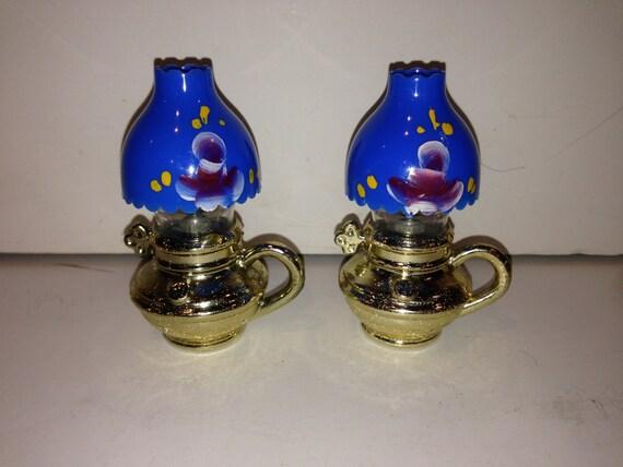 Salt Lamps Hs Code : Set of Vintage Lanterns/Oil Lamps Salt and Pepper Shakers