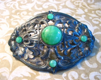 Art Nouveau Edwardian Pin or Brooch with Green Glass Cabochon Stone