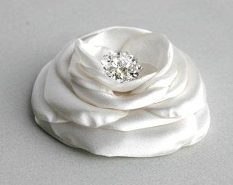 Silk Ivory Flower Flower Facinator, Bridal Hairpiece, Wedding Hair Accessory, Flower Hair Clip, Ivory Flower Hair Piece, Bridal Accessory
