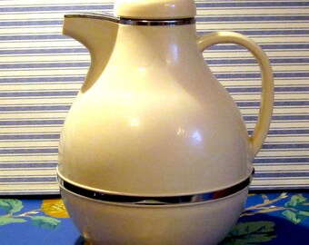 Vintage Amour Cream colored Thermos - Insulated Coffee Carafe - Vacuum Bottle - Made in Japan
