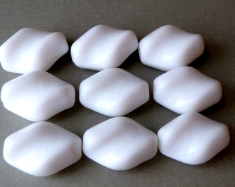 White Twist Glass Beads  -  Bohemian Czech Vintage Opaque Glass  -  23x16mm - Qty 5 pcs