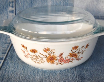 Vintage Pyrex England 1.5 Quart Covered Casserole Woodland / Country Autumn circa 1985