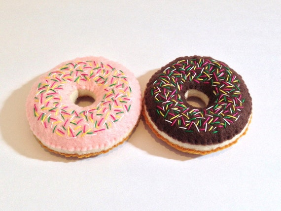 Felt food donut with sprinkles set chocolate & strawberry glazed sprinkles eco friendly childrens play food for toy kitchen, felt donut