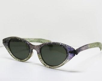 1950s Sparkle Cat Eye Sunglasses // Purple Ombre