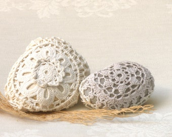 Crochet Lace Stones , Country decor, Rustic Art, Decor Collectibles Stones  Shabby chic decor rocks, Upcycled Eco Art,paperweights,