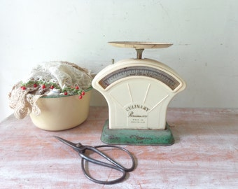 Vintage Persinware Culinary Scales in Cream and Green