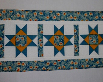 Spring Quilted Table Runner with Daisies, Star Table Runner, Quilted Table Topper in Blue and Yellow, Cottage Chic Runner, Table Quilt