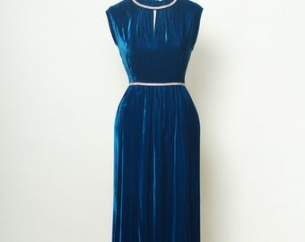 Mod 60s Dress /1960s Vintage Blue Velvet Evening Gown, Retro 60s Empire Waist  / Maxi Dress / 50s Evening Dress Gown