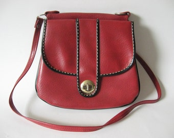 Fun red vintage vinyl purse double sided handbag detachable strap black piping stitch detail