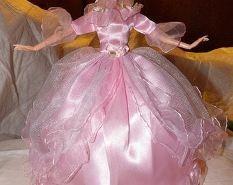 Fairytale pink ballgown with roses & ruffle trim and Tulle slip for Fashion Dolls - ed720