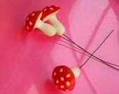 Fairy Furnature Toadstool or Mushrooms Fairy Garden/ Faerie/ Knome/ Pixie/ Miniature/ Dollhouse Decor