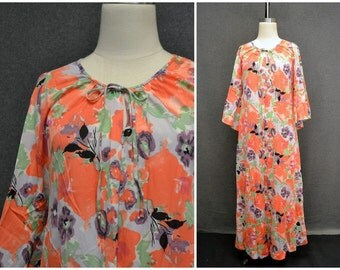 1970s Shadowline Floral Housecoat