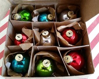 Christmas ornament pushpins