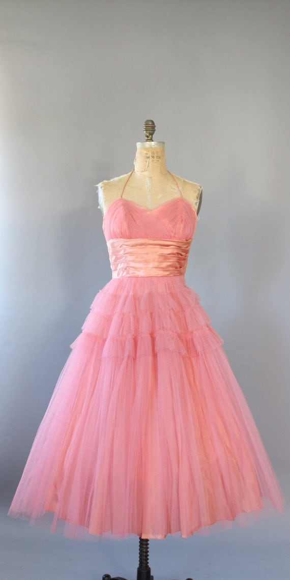 https://www.etsy.com/dk-en/listing/216325270/vintage-50s-dress-1950s-party-dress-pink?ref=shop_home_active_8