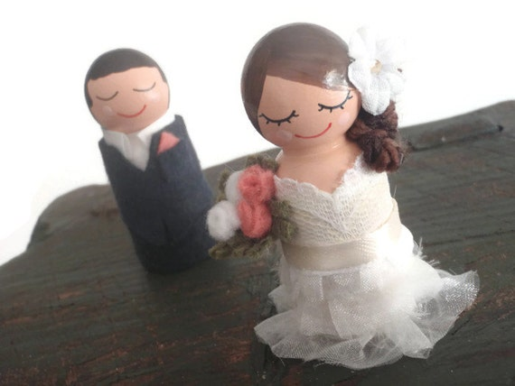 Personalized  Bride and Groom Cake Topper Bride and Groom Cupcake Topper (Wedding Cake Topper Wood Dolls ) (Bride and Groom Wooden Dolls)