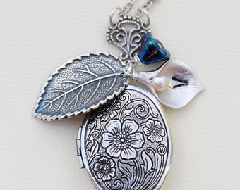 Calla Lily Sapphire Flowers oval Locket, Locket,Personalized Jewelry,Initial, gift for her, Silver Locket, Pearl,Flower,Leaf,Wedding