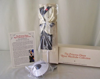 Vintage Princess Diana Royal Wardrobe Collection Black & White Suit DDU 15 NIB Danbury Mint Fits 14 Inch Doll 1980s