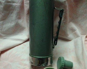 Clean Teal Aqua Vintage Aladdin Stanley One Quart Thermos  Hot and Cold Vacuum Bottle