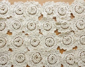 24 Crochet Flower Lace Appliques, Vintage Crochet Doily Medallion Pieces, Crocheted Flowers