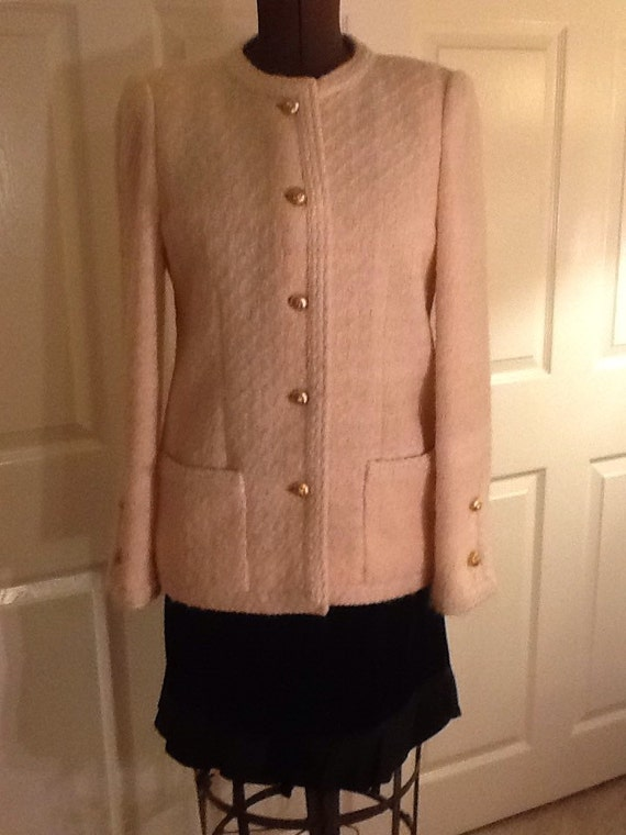 CHANEL Authentic Haute Couture Jacket Ivory Wool & Mohair Boucle 38-40