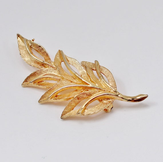 Vintage Signed Hedison HEDY Brushed Textured Goldtone Leaf Leaves Branch Gold Tone Open Cut Brooch Pin