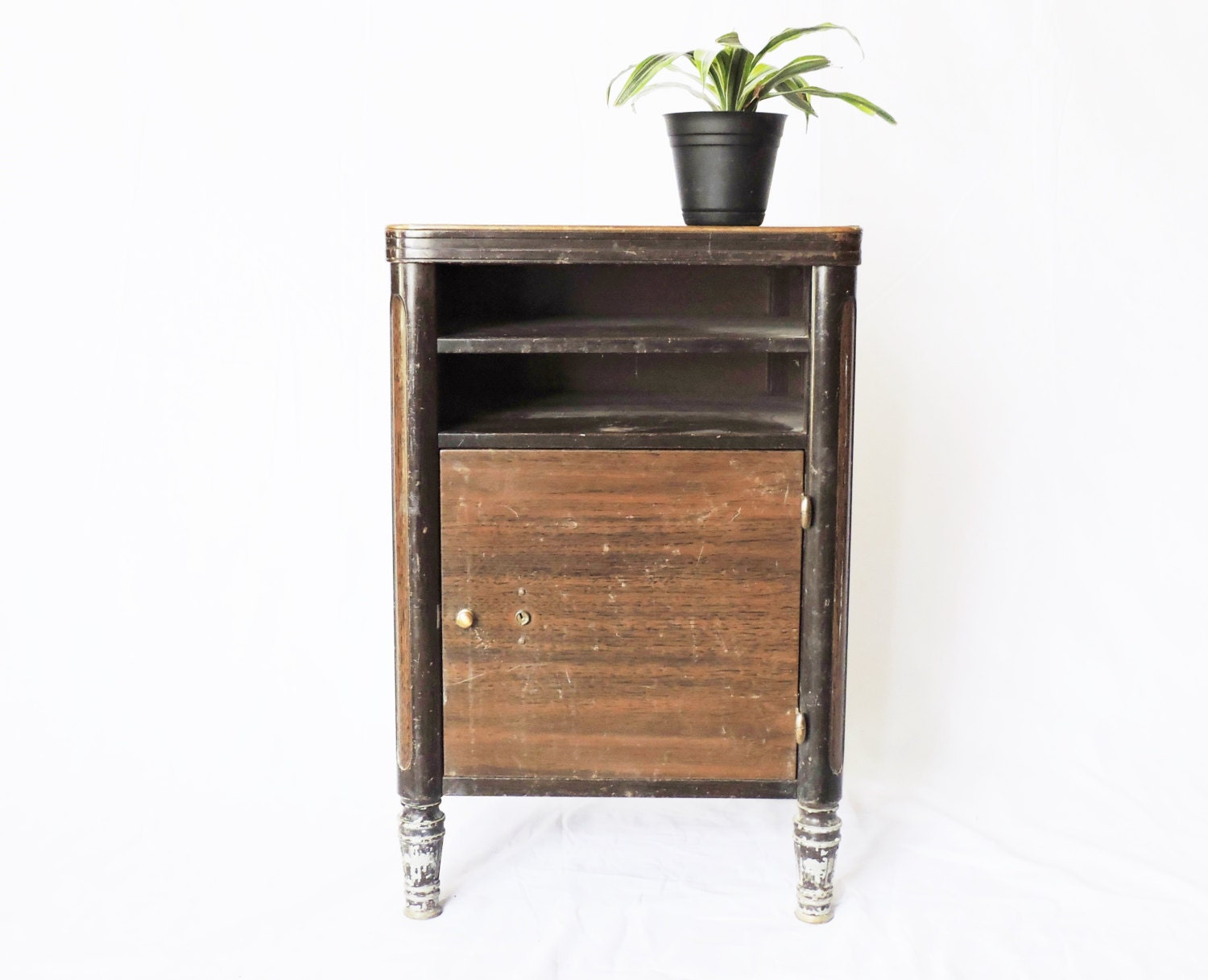 Vintage industrial faux bois side table record cabinet - Table bois metal ...