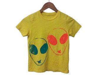 Pink and Blue Alien Happy Face Friends Screenprint on Sunny Yellow Cotton T Shirt Youth size Small