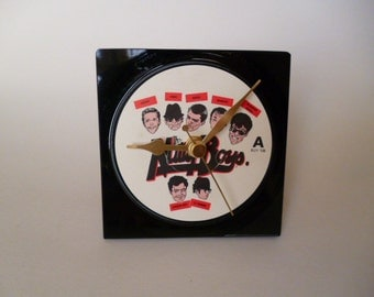 MADNESS Record Clock 1980s Ska Pop Vinyl Record Desk Clock Single Return Of The Los Palmas 7