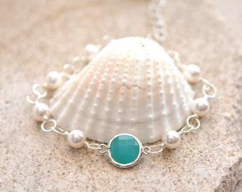 Turquoise Jewel Bracelet with White Swarovski Pearls in Silver.  Bracelet with Turquoise Gems. Wedding Jewelry.   Bridesmaids mGift.