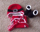 Santa Baby Earflap Beanie, Diaper Cover and Booties Set........newborn size