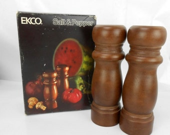 vintage wood salt and pepper shakers new old stock ECKO salt and pepper wood salt and pepper wood s&p shakers new in box