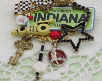 INDIANA  PiN -  HOOSIER State BROOCH - Mini License Plate  Jewelry