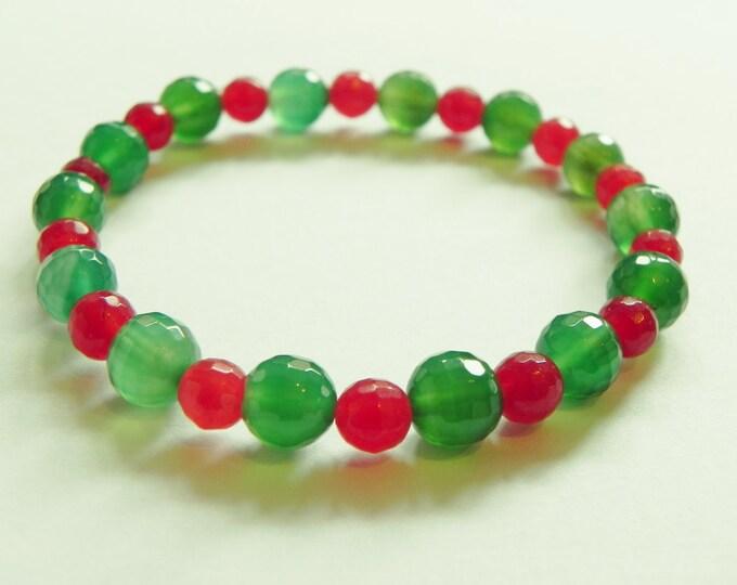 Green agate & red chalcedony gemstone stretch bracelet.