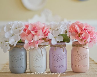 Set of 4 Pint Size Painted and Distressed Ball Mason Jars. Light Grey/White?Lilac/Pale Pink.  Vintage Looking Vase. Distressed. Painted.