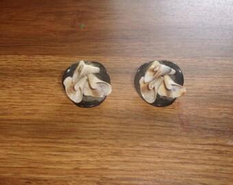 vintage clip on earrings sea shells