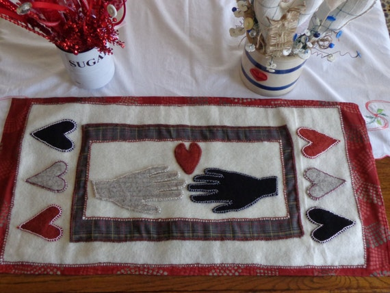 Primitive wool table mat handmade 15 x for Table mats design your own