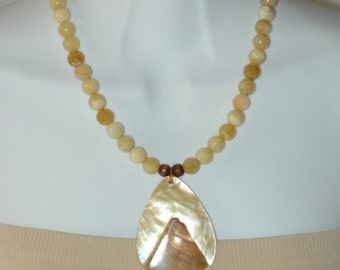Semi Precious Necklace, Shell Necklace Pendant, Gift for her, Beige neutral beads necklace, Short Necklace, Summer Necklace