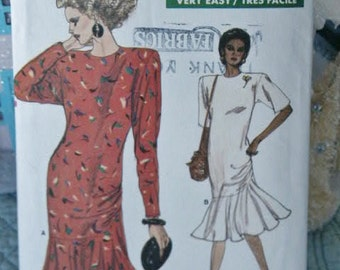 Very Easy Vogue Semi Fitted Dress with Pleated Side Flounce 7033 Sewing Pattern Size 14 16 18