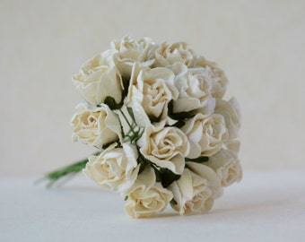 20 mm  10 white  paper rose buds