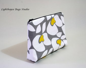Large Wristlet Pouch w/ zipper - White & yellow Flowers on Gray