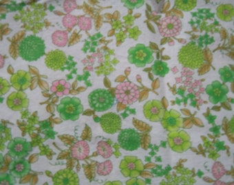 """Vintage fabric: floral cotton 1960's in pink and greens  40"""" x 52"""""""