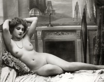 Early 1900s Risqué Nude Female Posing on Bed ~NEW 8x10 Art Print Reproduction
