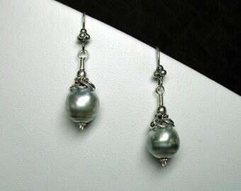 Tahitian Black Pearl Earrings in Silver