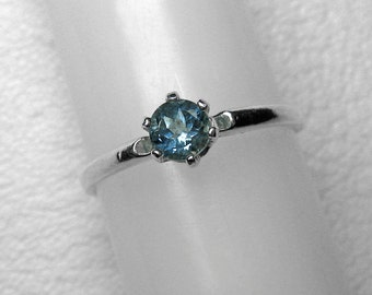 Montana Sapphire Stacking Ring in Silver, 4.2 mm