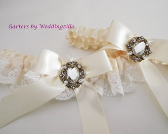 Ivory Wedding Garter Set/  Ivory Lace Bridal Garter Set / Victorian Wedding Garter