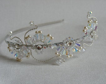 HALF PRICE Pearl hair piece. Tiara. Bridal headband.