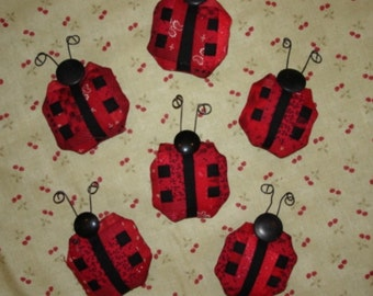 Miniature log cabin quilt LADY BUG pin LADYBUG red black