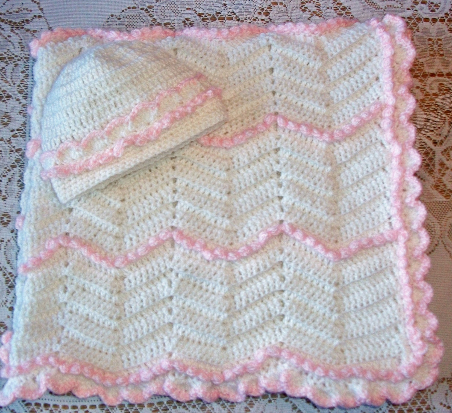 Crochet Chevron Zig-Zag Blanket With 3D by MADEWITHLOVEBYSUZIEQ