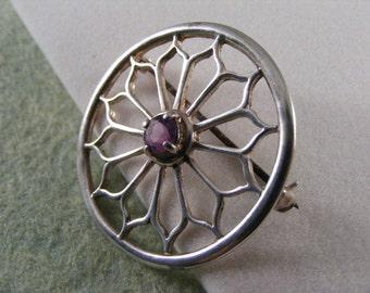 Amethyst Brooch Pin in Sterling Silver..... Lot 3922