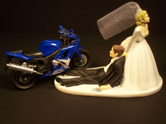 motorbike wedding cake blue yamaha r6 motorcycle and groom wedding cake 17597
